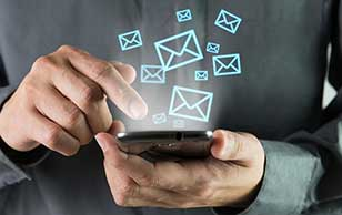Pazarlama'da SMS mi E-Posta mı?